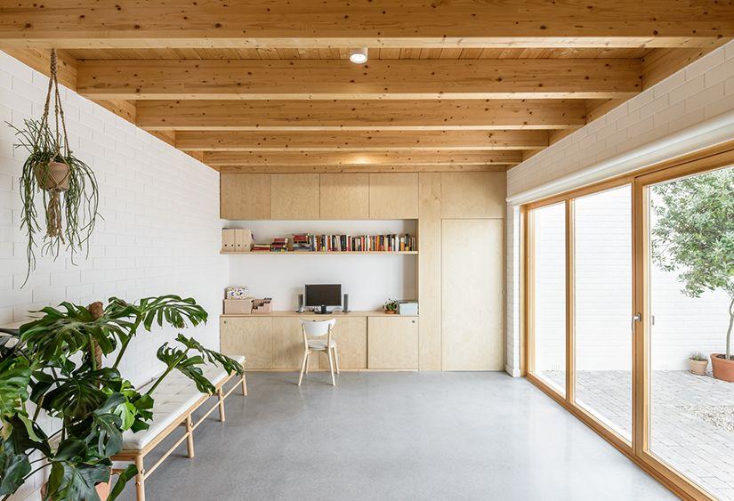 habitación acogedora de madera